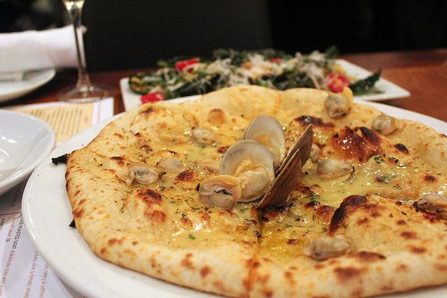 Domenica's clam pizza
