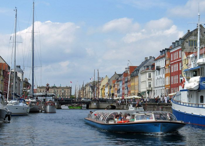A canal cruise down the narrow canals of Copenhagen