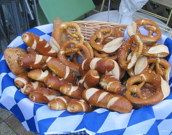 Brez'n - warm, soft pretzels