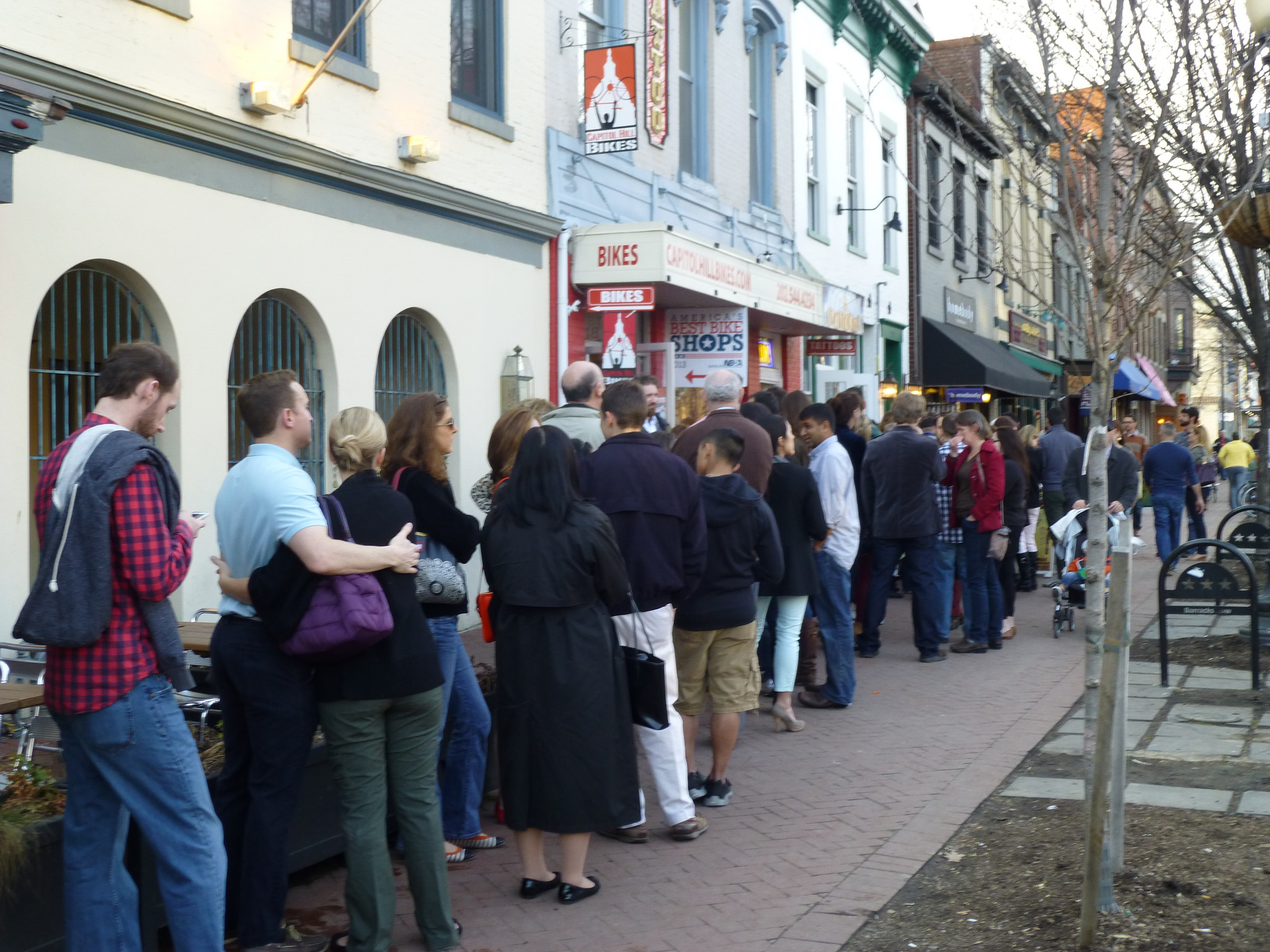 The line at Rose's Luxury, a nightly occurrence