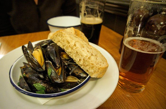 Mussels and beer at The Salamander in Bath