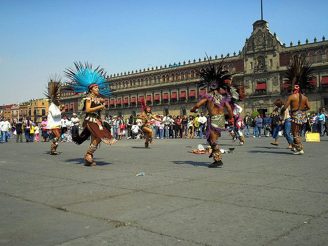Dancing in Zocalo