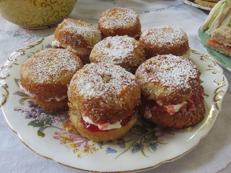 Victoria Sponge cakes