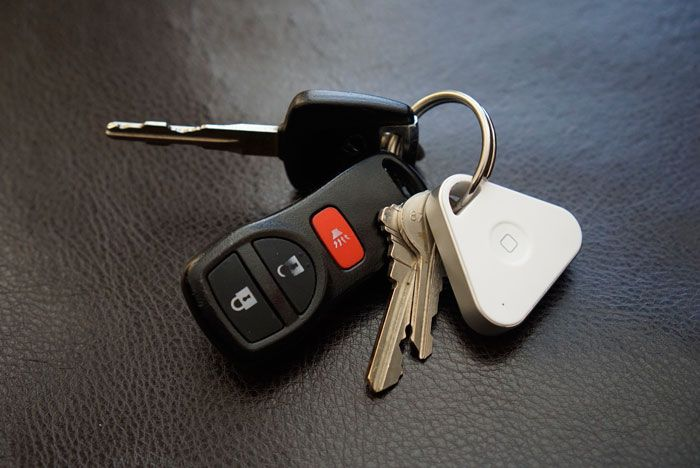Locate your keys with the iHere3.0 smart key finder