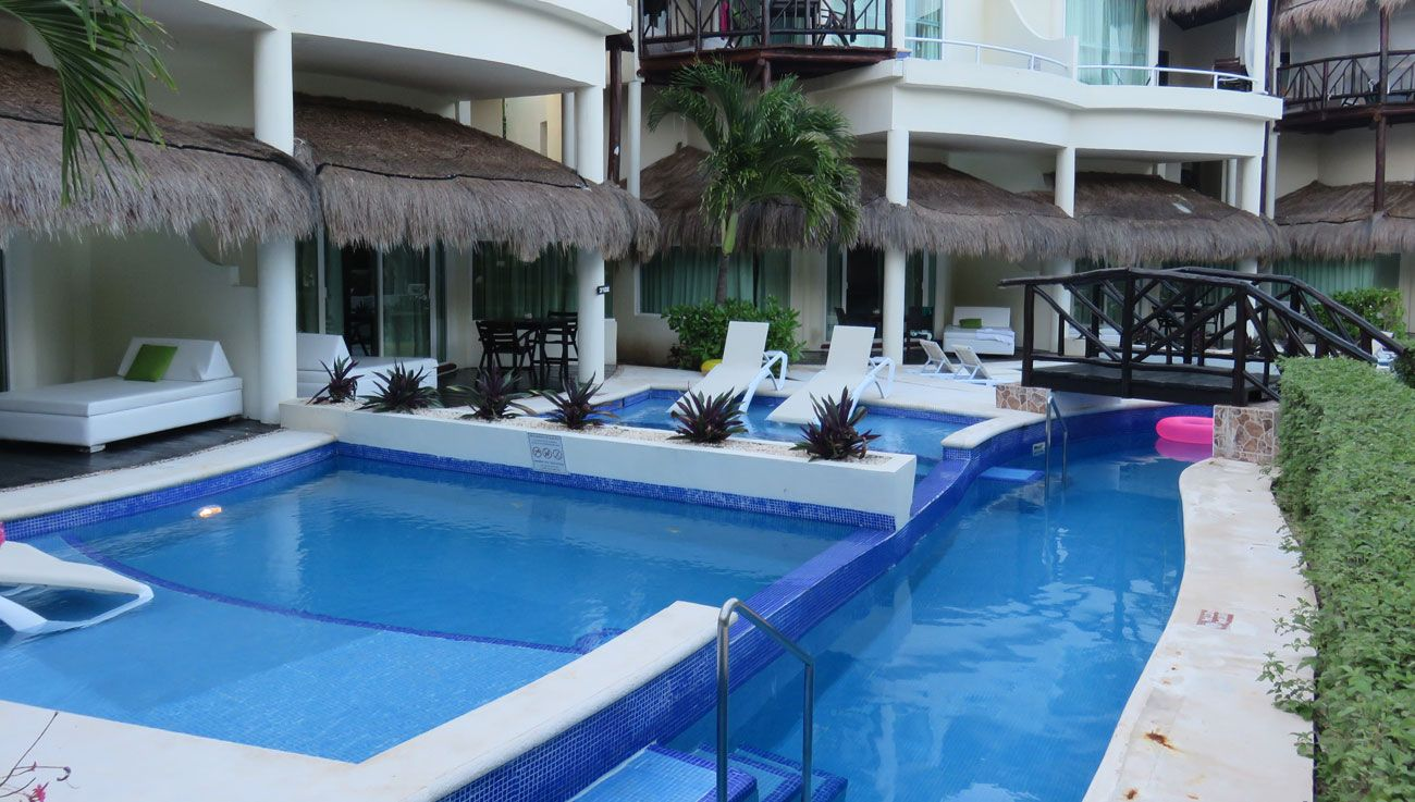 El Dorado Casitas Royale swim-up suites