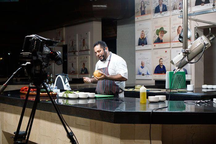 Fuentes chef demo