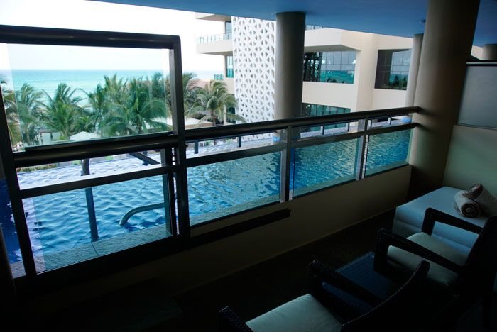 Balcony pool access from the room