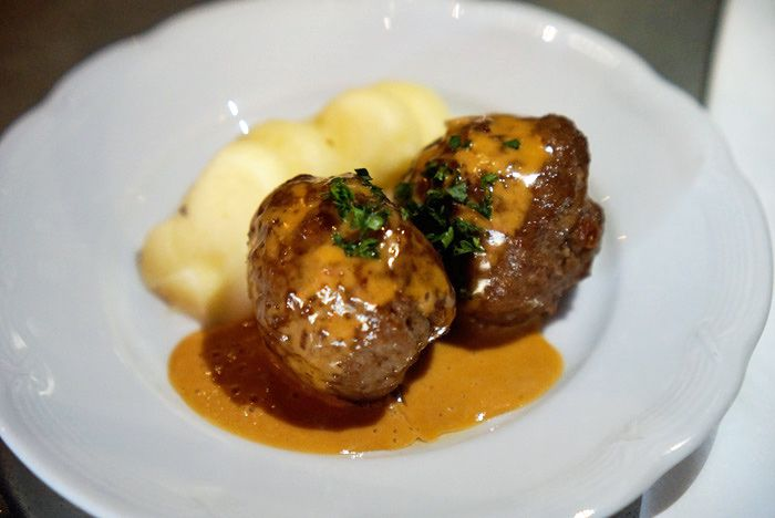 Swedish meatballs at Tennstopet