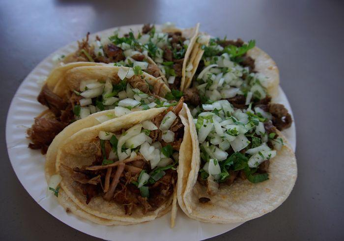 Tacos El Asadero carnitas and carne asada tacos
