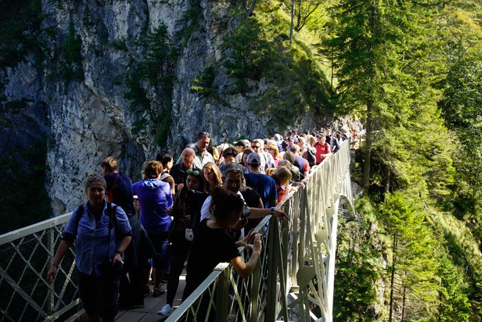The hordes of people on the bridge