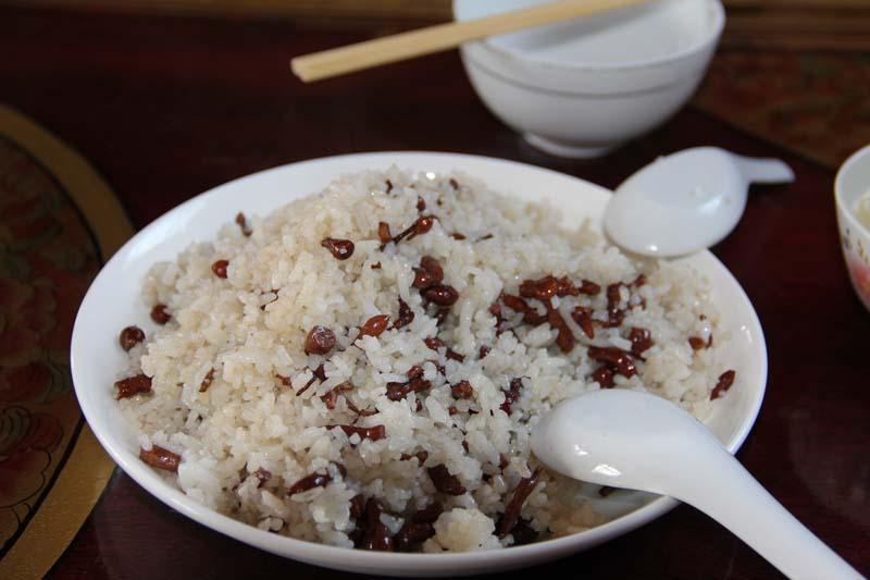 Sweet Dre-si is often eaten during Tibetan New Yea