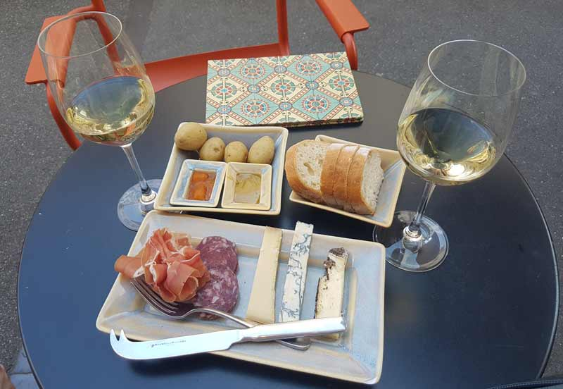 Consum wine bar in Kleinbasel