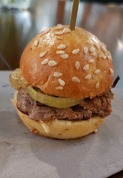 Mini burger with onions