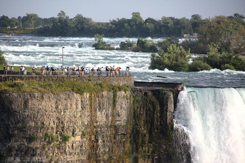 There are many observation decks around the falls