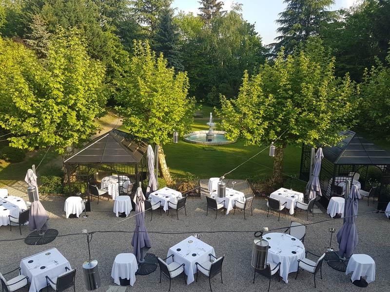 L'Orangerie outdoor dining