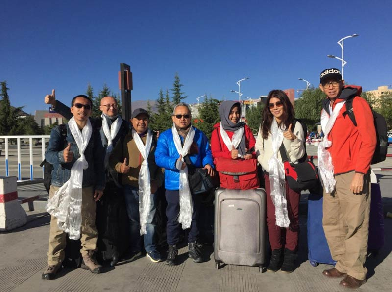 Tibet tour group