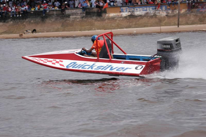 Powerboat racing
