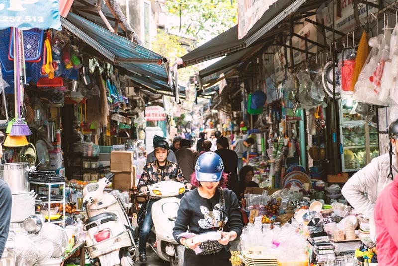 how to get around Hanoi
