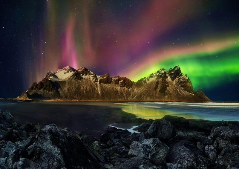 aurora over Vestrahorn