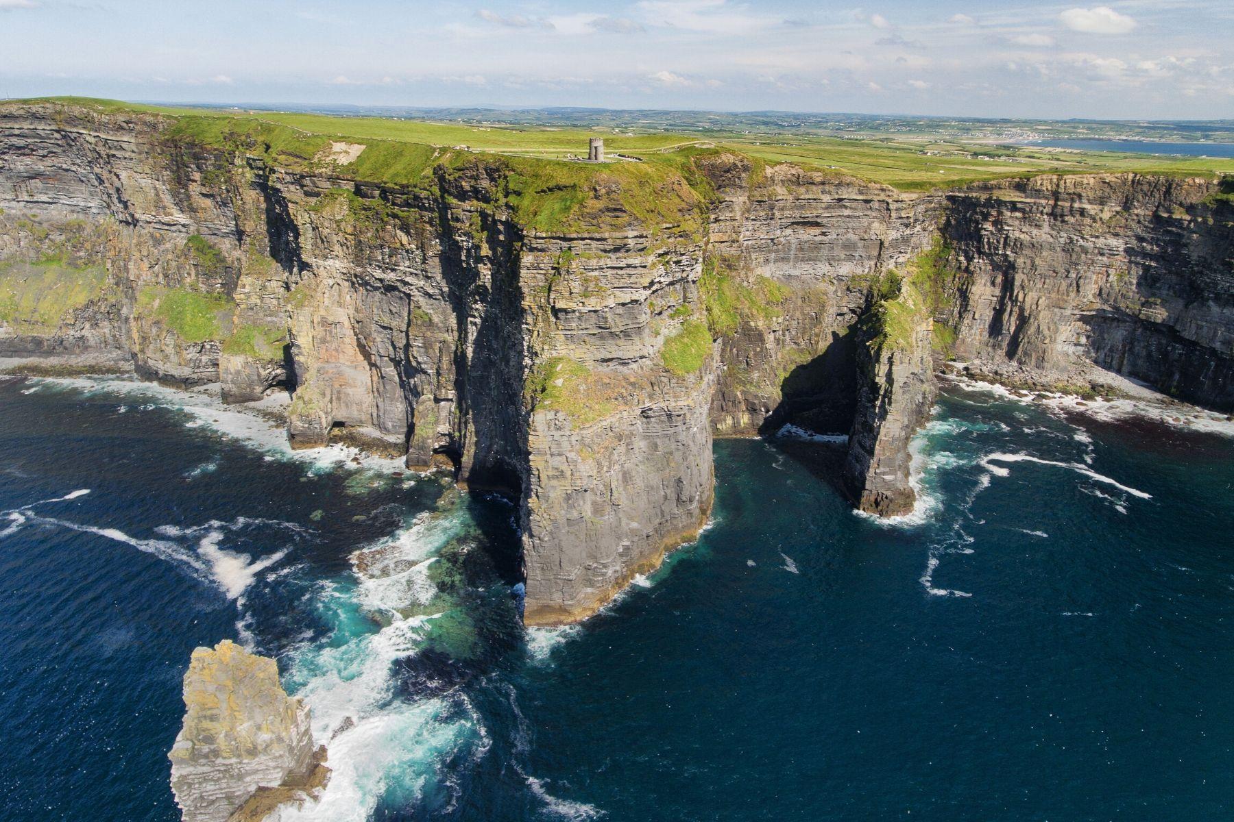 ireland's dramatic scenery