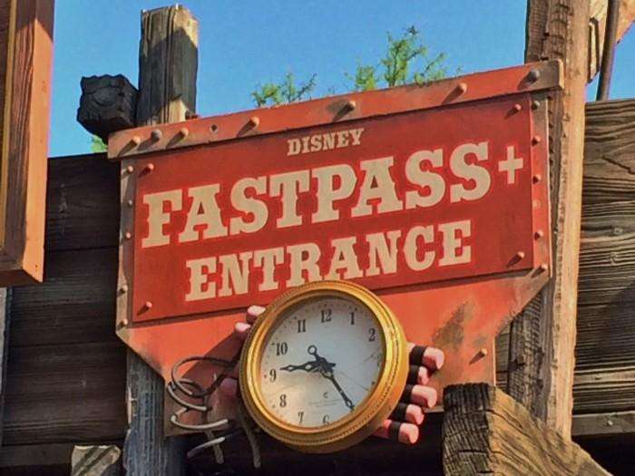 Disney Fastpass sign
